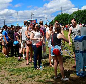 'ALLURE' BRINGS SUNSCREEN ACTIVATION TO MUSIC FESTIVAL